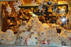 Teddybären auf dem Weihnachtsmarkt